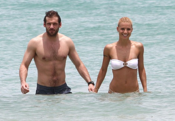 Michelle Hunziker Hot bikini candids in Miami-41