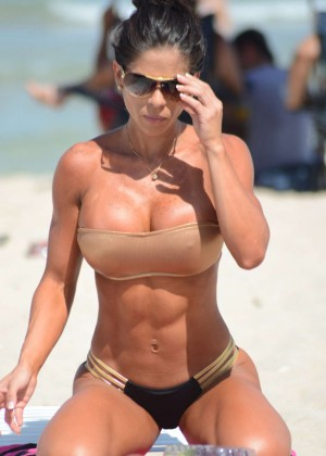 Michelle Lewin Hot Bikini Photos on Miami Beach