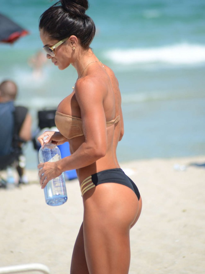 Michelle Lewin Hot Bikini Photos -10