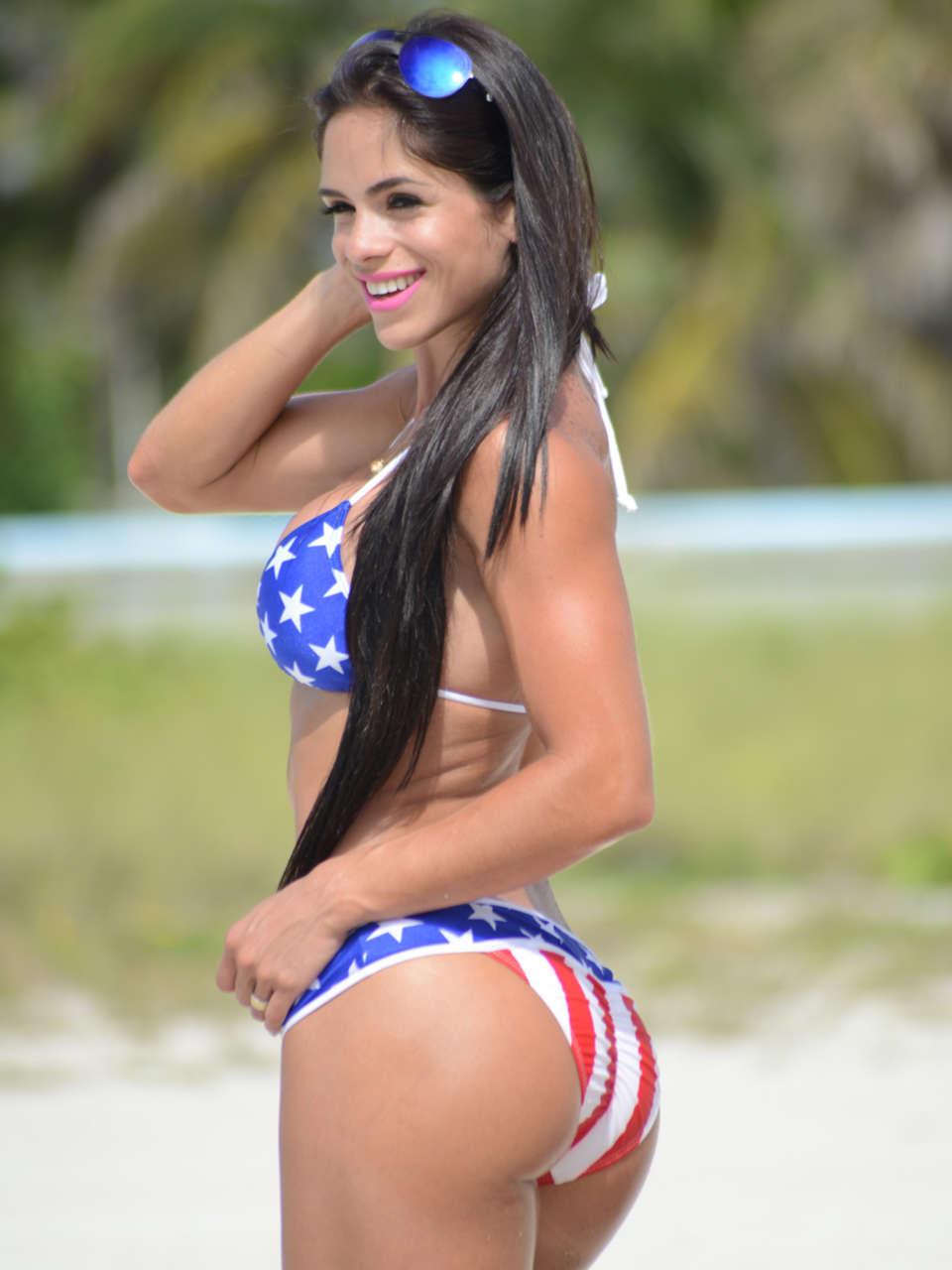 Michelle Lewin 2014 : Michelle Lewin Bikini Photos: Miami-04