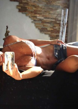 The 13 Hottest Michelle Lewin Photos -11