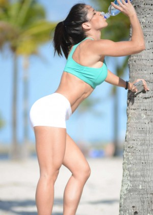 Michelle Lewin in shorts -05