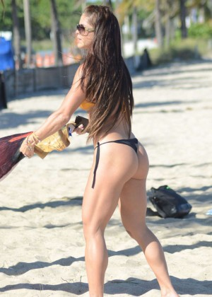Michelle Lewin in Bikini -10