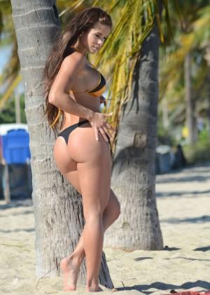 Michelle Lewin in Bikini -15