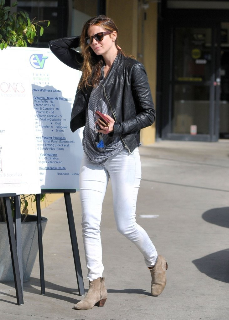 Michelle Monaghan in Tight Jeans -10 | GotCeleb
