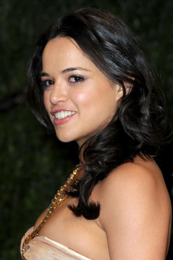 Michelle Rodriguez - Oscar 2013 - Vanity Fair Party -02