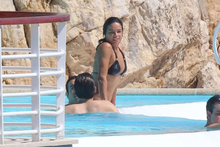 Michelle Rodriguez in bikini -11