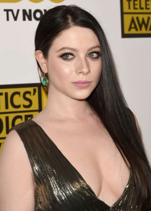 Michelle Trachtenberg - 4th Annual Critics Choice Television Awards -09