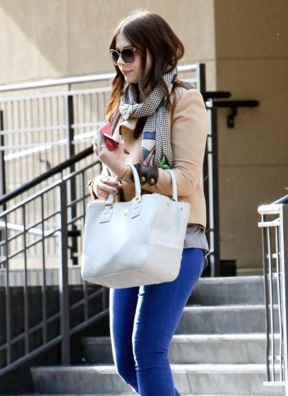 Michelle Trachtenberg Blue skinny jeans candids at  The UTA Office In LA-01