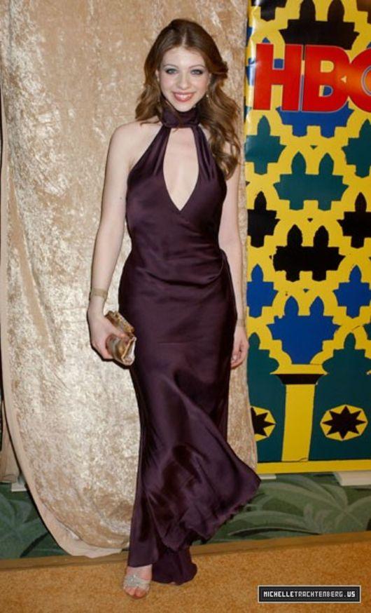Michelle Trachtenberg 2010 : michelle-trachtenberg-cleavage-at-05-golden-globes-15