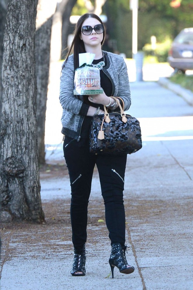 Michelle Trachtenberg Style - Out and About in Los Angeles