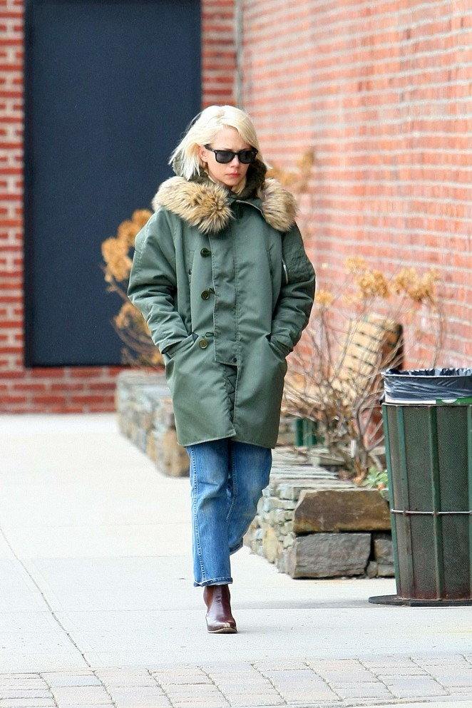 Michelle Williams outside her House in NYC