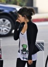 mila-kunis-candids-in-west-hollywood-04