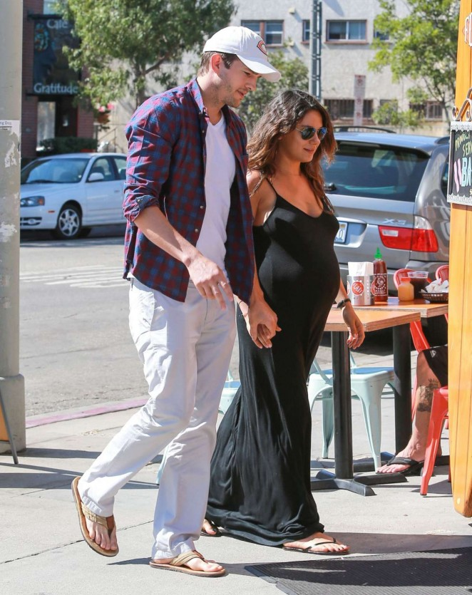 Mila Kunis & Ashton Kutcher Out in Los Angeles
