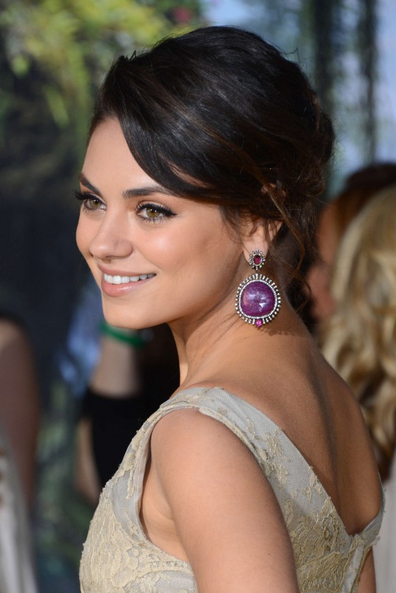 Mila Kunis - Oz The Great And Powerful premiere in Hollywood-06