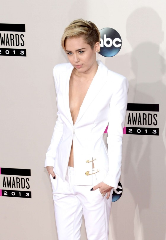 Miley Cyrus: 2013 American Music Awards -22