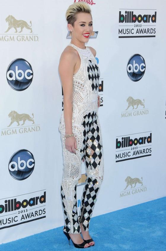 Miley Cyrus – 2013 Billboard Music Awards in Las Vegas -01