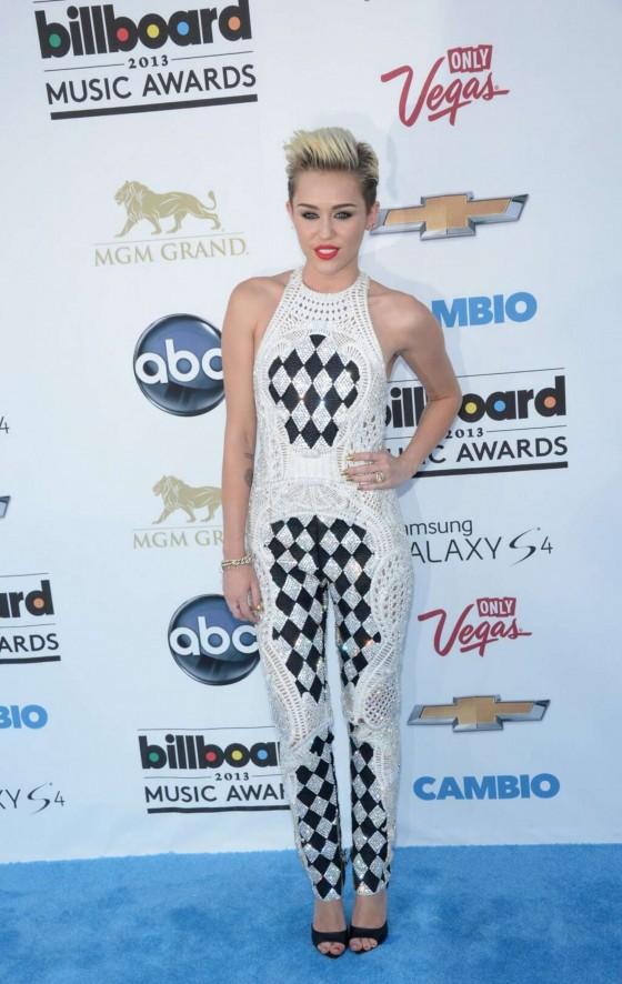 Miley Cyrus – 2013 Billboard Music Awards in Las Vegas -02