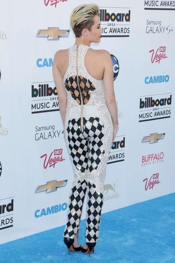 Miley Cyrus – 2013 Billboard Music Awards in Las Vegas -08