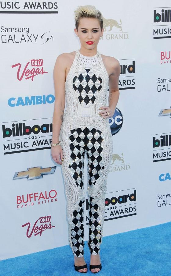 Miley Cyrus – 2013 Billboard Music Awards in Las Vegas -09