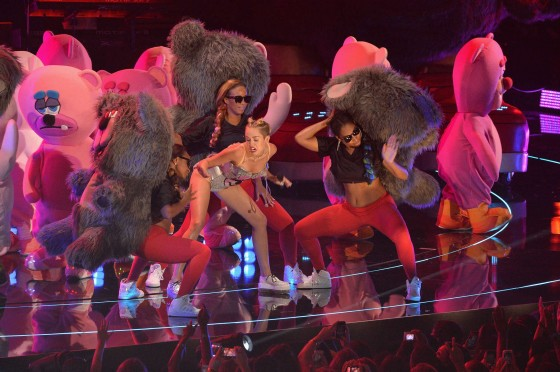 Miley Cyrus Pictures: HOT VMA 2013 MTV Performance -23