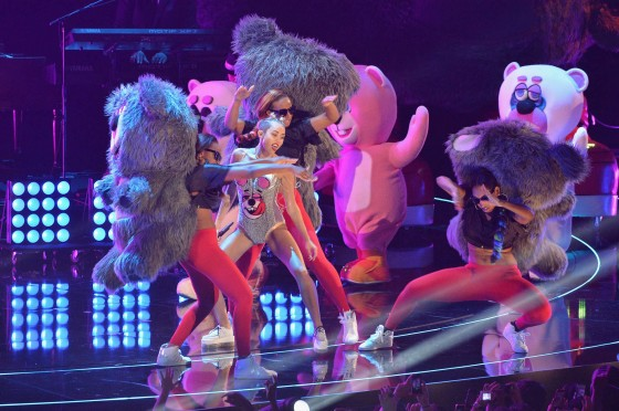 Miley Cyrus Pictures: HOT VMA 2013 MTV Performance -26