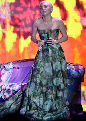 Miley Cyrus - 2014 World Music Awards in Monte Carlo -02