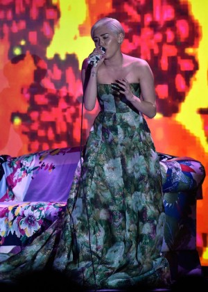 Miley Cyrus - 2014 World Music Awards in Monte Carlo -05