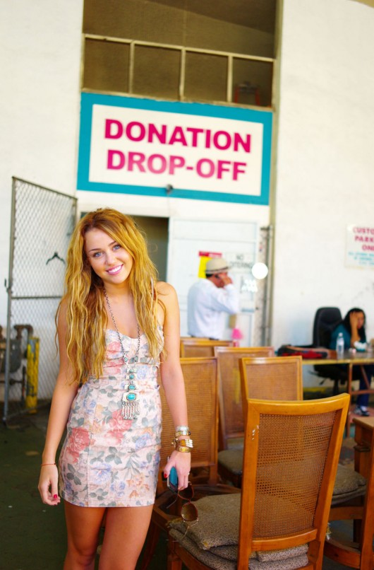 Superb Miley Cyrus At Boutique U0027Out Of The Closetu0027 In Los Angeles, October 13