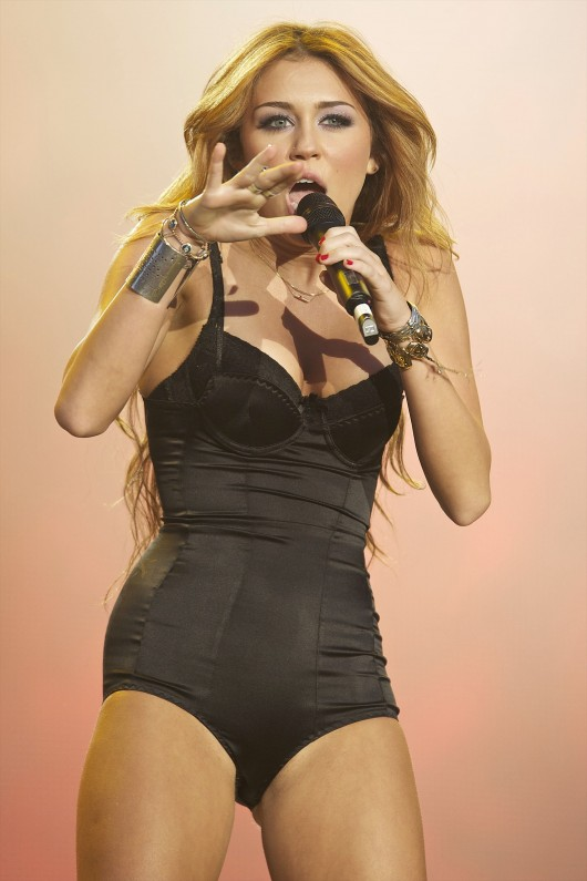 Nackt, nackter, Miley Cyrus! Ihre scheußlichsten VMA