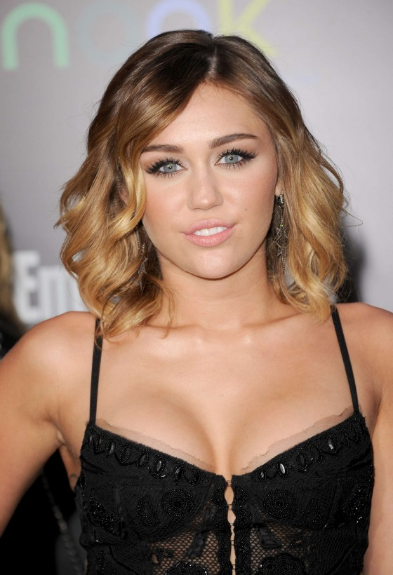 Miley Cyrus 2012 : Miley Cyrus shows big cleavage at The Hunger Games-22