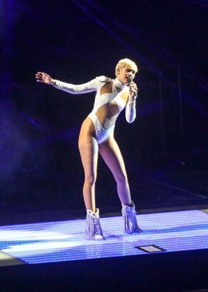 Miley Cyrus: Bangerz Tour in Washington -13