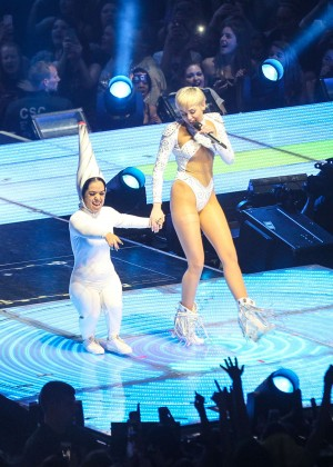 Miley Cyrus: Bangerz Tour in Washington -15