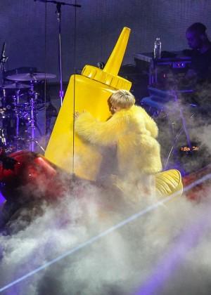 Miley Cyrus: Bangerz Tour in Washington -16