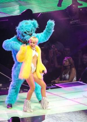 Miley Cyrus: Bangerz Tour in Washington -19