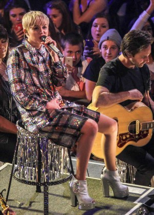 Miley Cyrus: Bangerz Tour in Washington -26