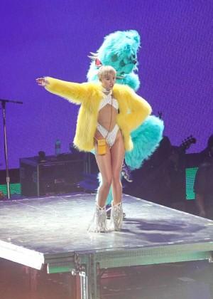 Miley Cyrus: Bangerz Tour in Washington -27