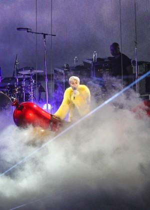 Miley Cyrus: Bangerz Tour in Washington -33