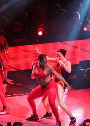 Miley Cyrus: Bangerz Tour in Washington -41
