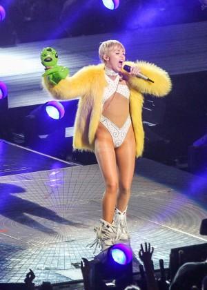 Miley Cyrus: Bangerz Tour in Washington -49