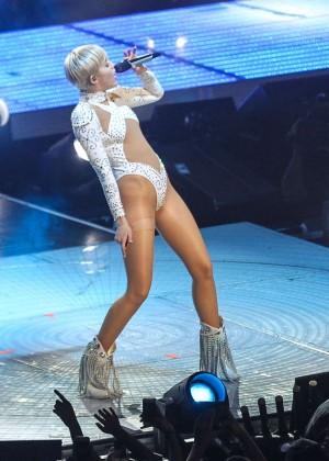Miley Cyrus: Bangerz Tour in Washington -55