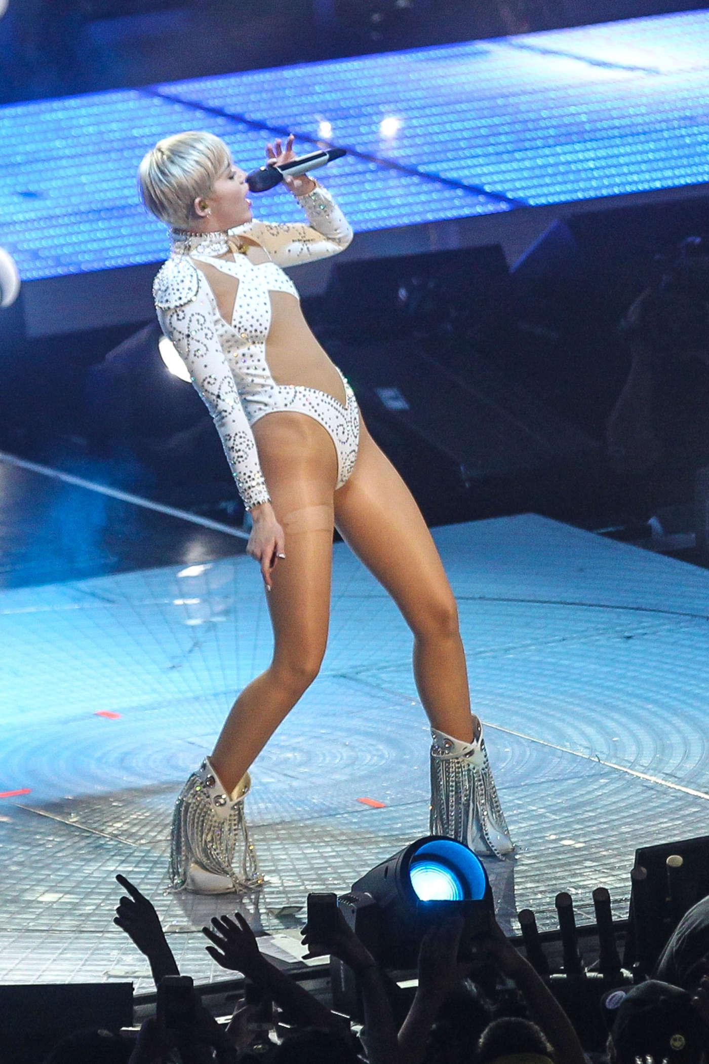 Miley Cyrus: Bangerz Tour in Washington -55 - GotCeleb Katy Perry Tour