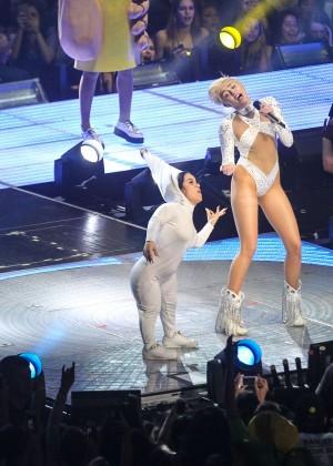 Miley Cyrus: Bangerz Tour in Washington -63