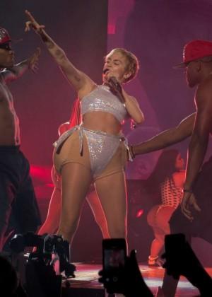 Miley Cyrus: Bangerz Tour in Adelaide -08