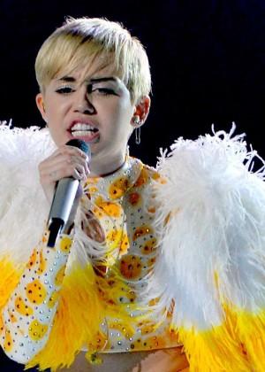 Miley Cyrus: Bangerz Tour in Mexico -19