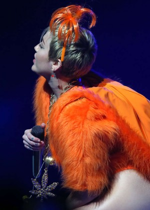 Miley Cyrus - Bangerz Tour in Perth -02
