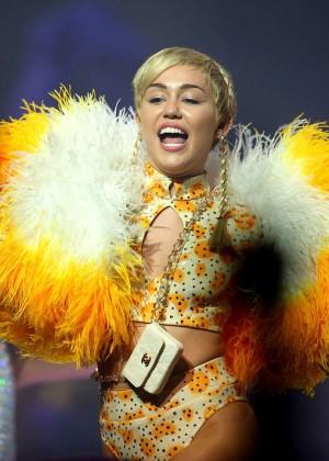 Miley Cyrus - Bangerz Tour in Perth -07