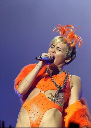 Miley Cyrus - Bangerz Tour in Perth -11