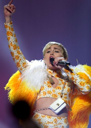 Miley Cyrus - Bangerz Tour in Perth -15
