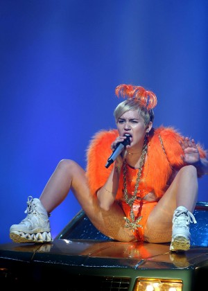 Miley Cyrus - Bangerz Tour in Perth -23